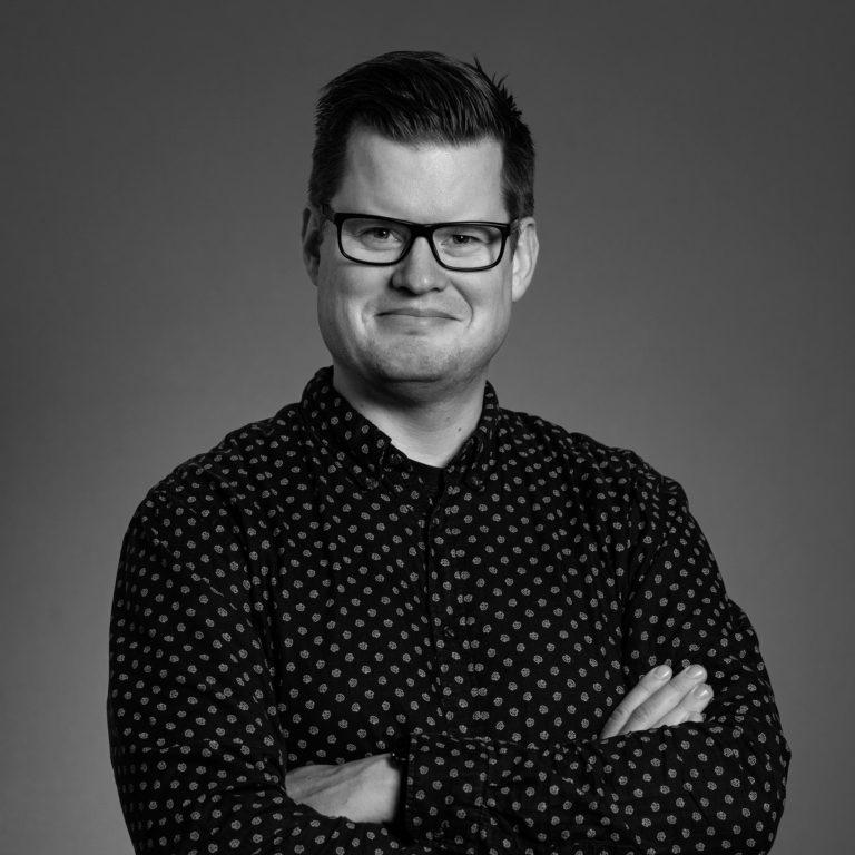 Portrett av Øyvind Ellingsen, Kreativ leder i Dekode, som her skriver om digital design.